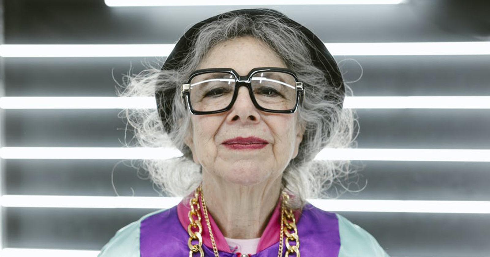 Finding Eyeglass Frames For Over 50-Year-Old Women | Vlookoptica