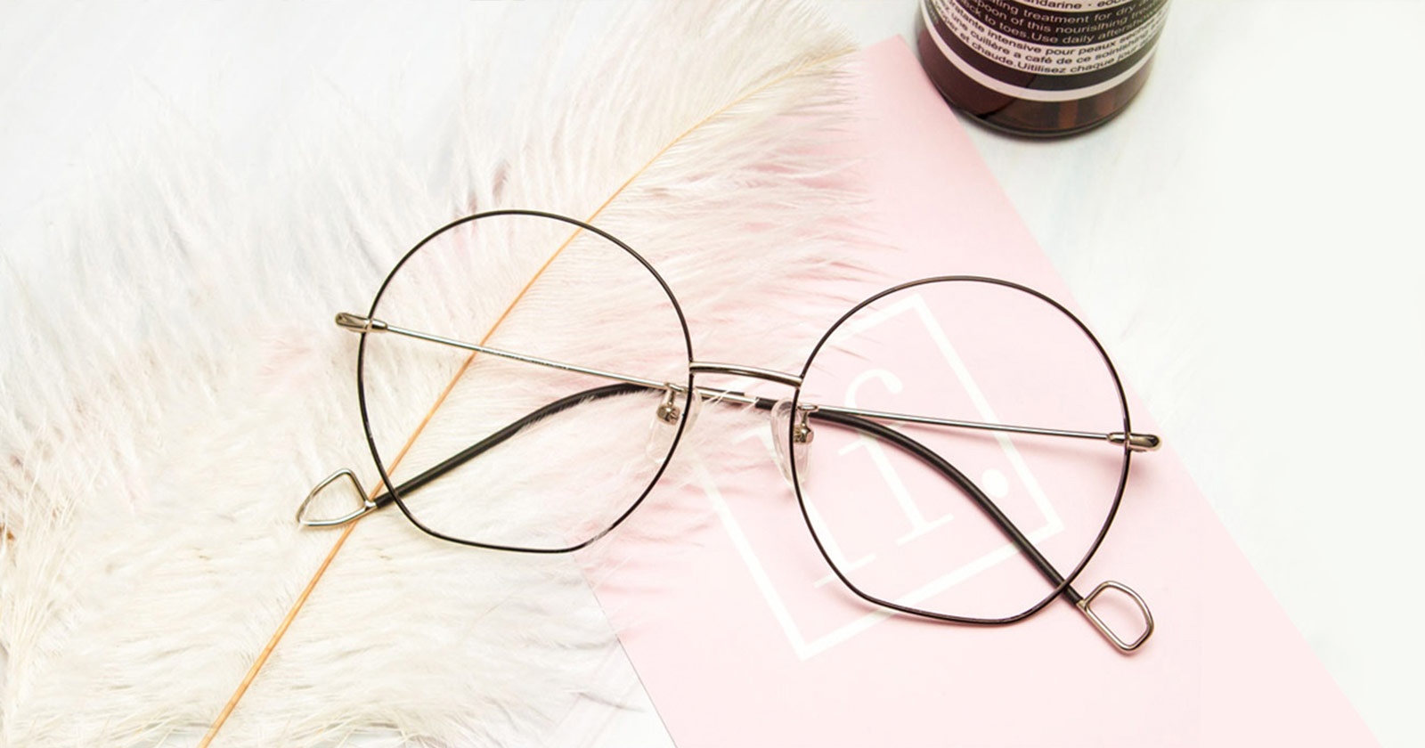 The Most Popular Glasses Colors In The USA?