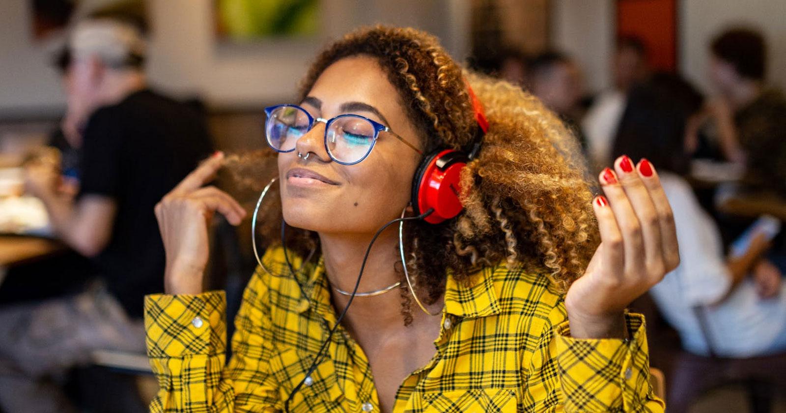 Latest Eyeglasses Trends 2021
